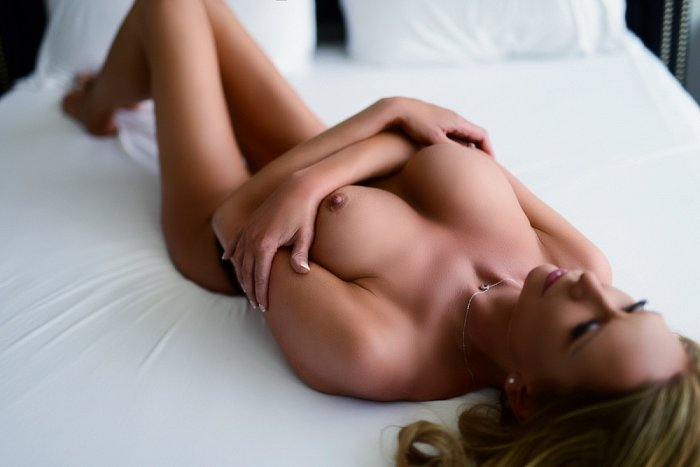 live escorts and erotic massage