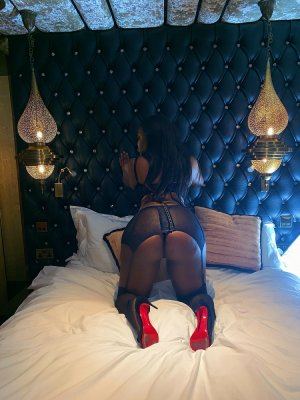 Chaden escort girls in Bridgeport