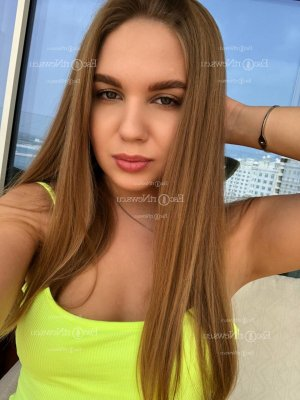 Arsenie tantra massage, live escort