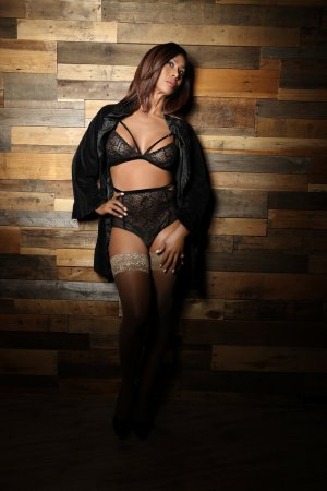 Joannie escorts in Centennial Colorado & nuru massage